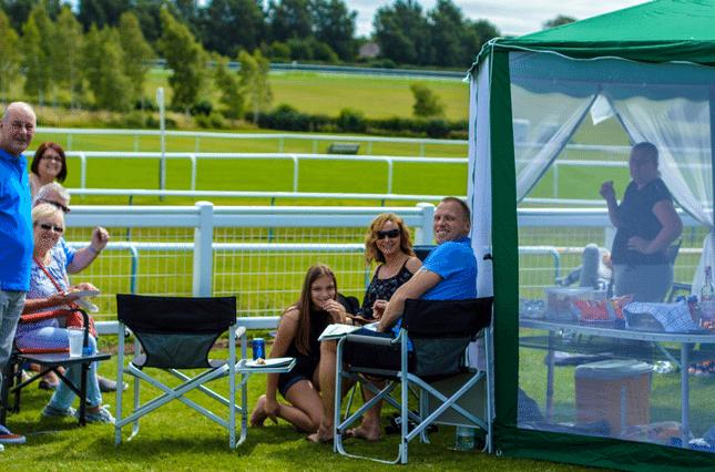 races-picnic